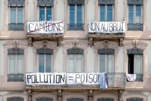 Pollution-a-perrache-C-Tim-Douet_059_image-gauche